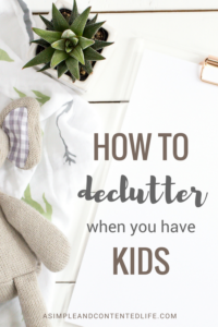 Keeping on top of clutter can be hard when you have kids. If like me, you struggle to keep the clutter at bay you'll love these 10 easy to implement tips on keeping clutter to a minimum.